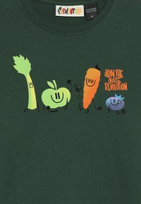 Element - YOU ARE WHAT YOU DRINK FRUITSQUAD  - T-shirt imprimé - dark green - 3
