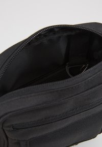 Element - ROAD BAG - Across body bag - flint black - 4
