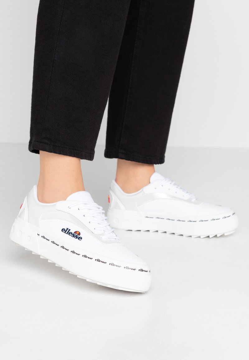 Ellesse - ALZINA - Tenisky - white