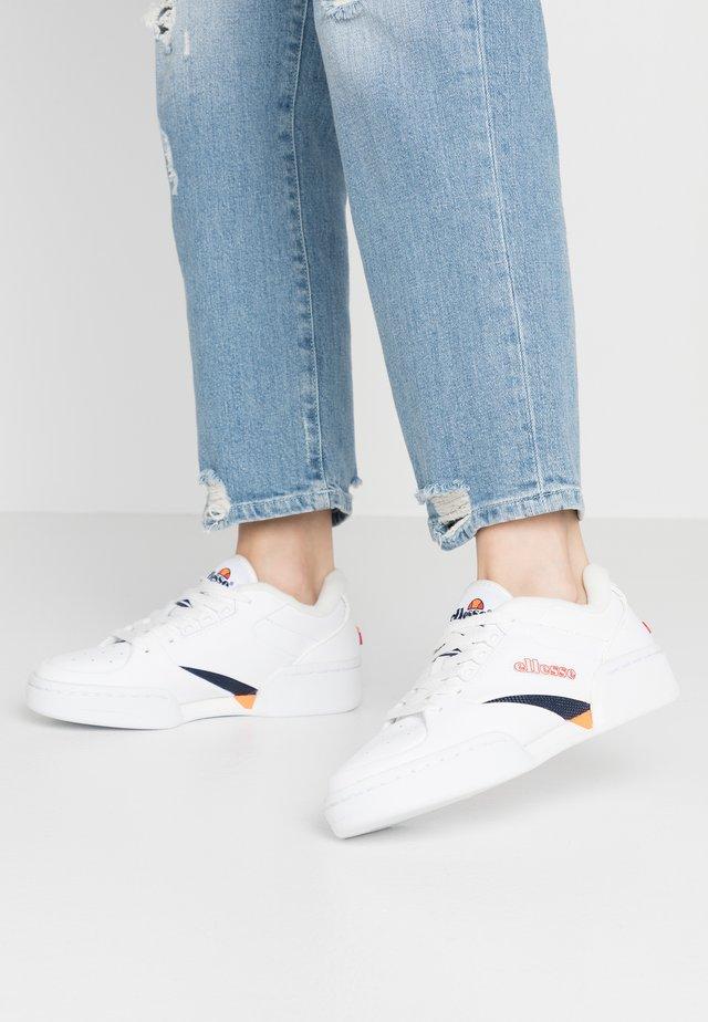 TREMITI - Sneakersy niskie - white/dark blue/orange