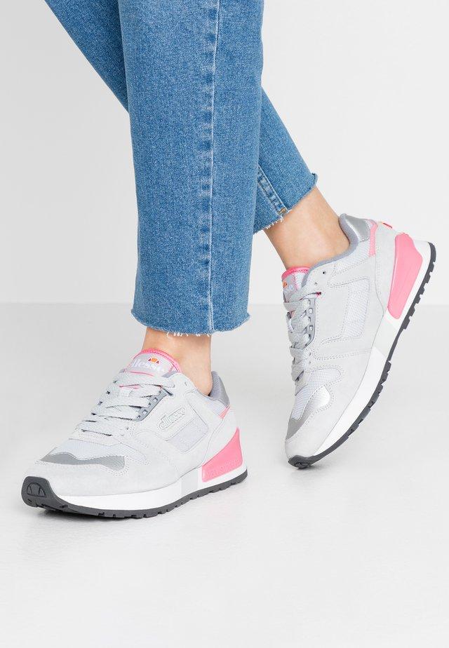 Sneakersy niskie - light grey/fluro pink