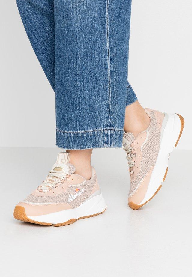 MASSELLO - Sneakersy niskie - natural/white