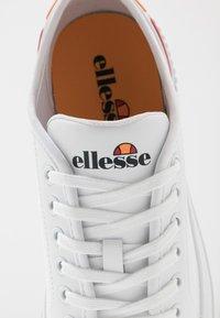 Ellesse - TROPEA - Sneakersy niskie - white - 2