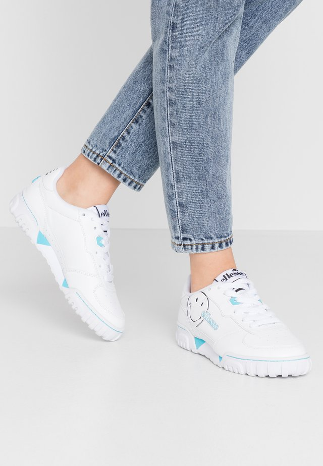 SMILEY X TANKER - Trainers - white/silver/blue