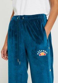Ellesse - NARCISO - Teplákové kalhoty - teal - 5