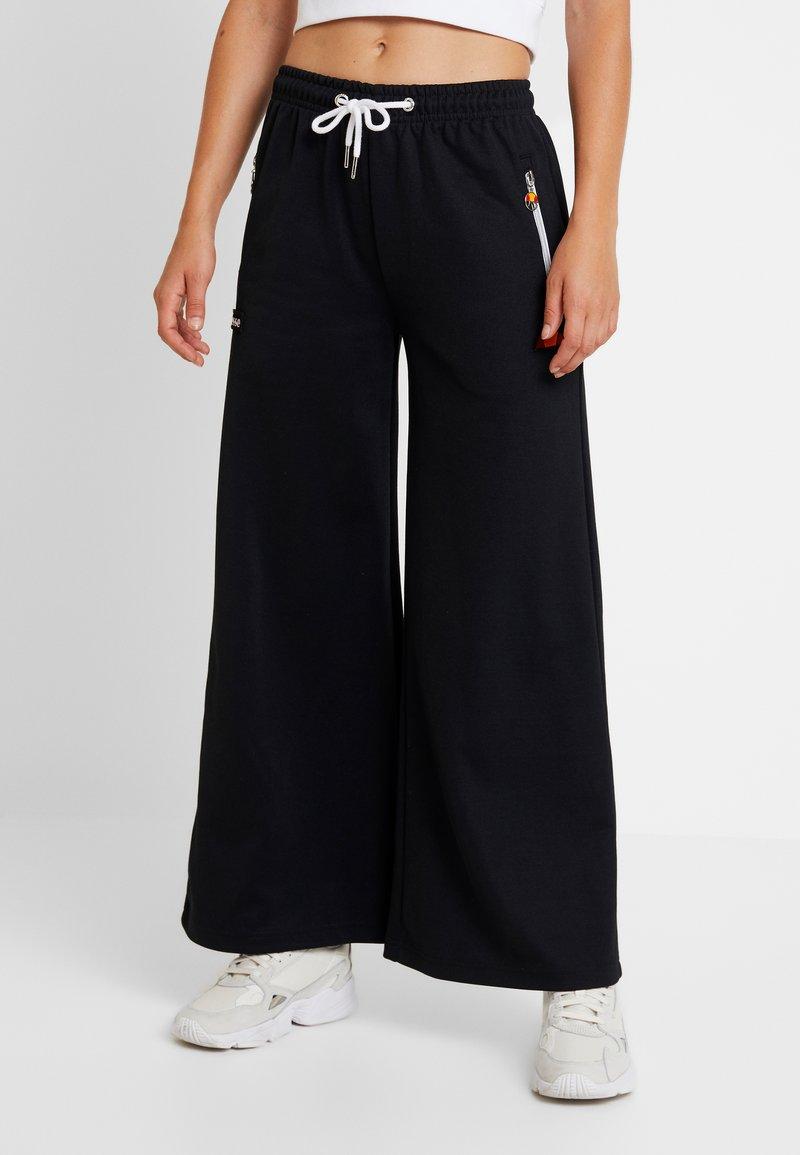 Ellesse - GILDA - Pantalones deportivos - black