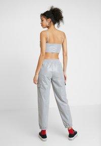 Ellesse - SCENA REFLECTIVE - Teplákové kalhoty - silver - 2