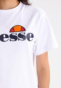 Ellesse - ALBANY - T-shirt print - optic white - 3