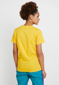 Ellesse - ALBANY - T-shirt print - yellow - 2