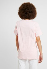 Ellesse - ALBANY - T-shirt con stampa - light pink - 2