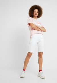 Ellesse - ALBANY - T-shirt con stampa - light pink - 1
