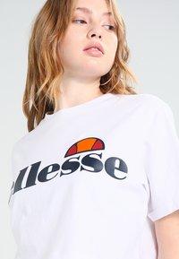 Ellesse - ALBERTA - T-shirt print - optic white - 4