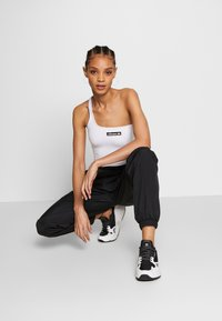 Ellesse - REFLECTIVE TOP - Topper - white - 1