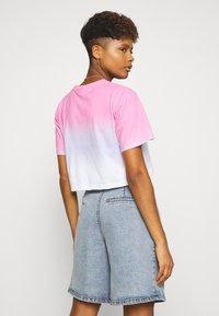 Ellesse - RERTA FADE - T-shirts med print - pink - 2