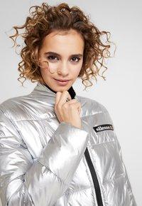 Ellesse - SISA - Zimní bunda - silver - 3
