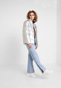 Ellesse - SISA - Zimní bunda - silver - 1