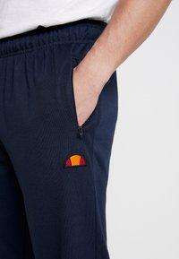 Ellesse - BERTONI JOG PANT - Teplákové kalhoty - navy - 5