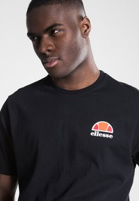 Ellesse - CANALETTO - Print T-shirt - anthracite - 3