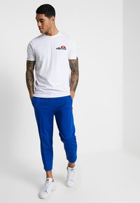 Ellesse - VOODOO - T-shirt imprimé - white - 1