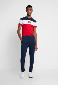 Ellesse - BENIZZI - Print T-shirt - red - 1