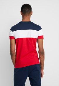 Ellesse - BENIZZI - T-shirt imprimé - red - 2