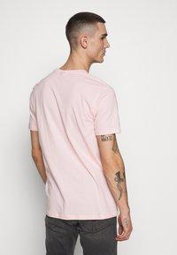 Ellesse - PRADO - Printtipaita - light pink - 2