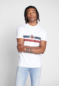 Ellesse - LORI - T-shirt z nadrukiem - white - 0