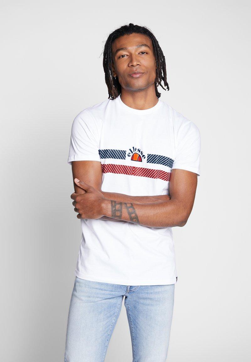 Ellesse - LORI - T-shirt z nadrukiem - white
