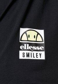 Ellesse - CASTELROTTO - Printtipaita - black - 5