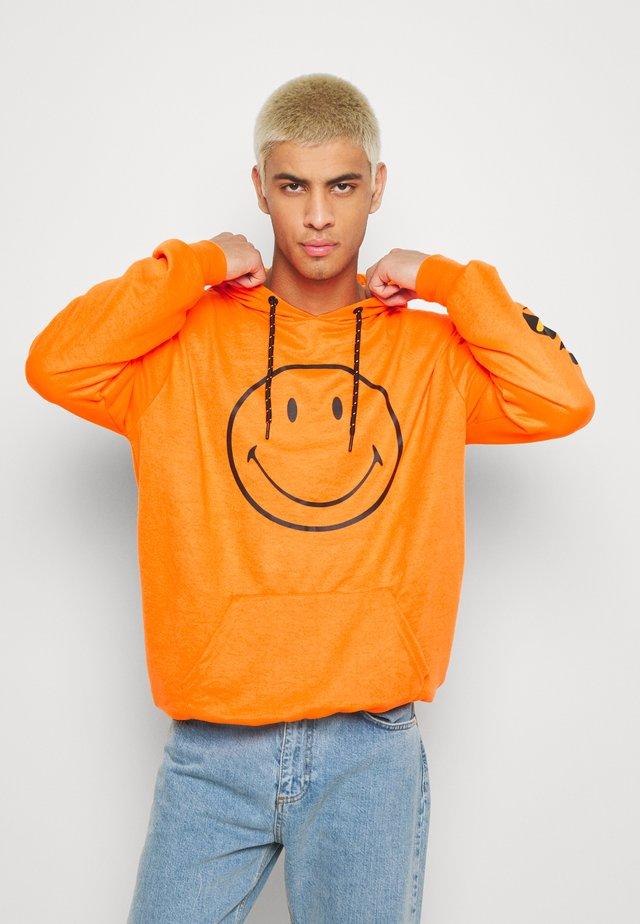 ARCERI - Hoodie - neon orange