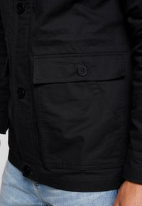 Ellesse - RALLIDAE - Lehká bunda - black - 3