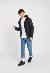 Ellesse - MONTIO - Summer jacket - black - 1