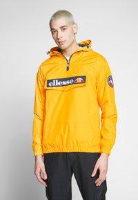 Ellesse - MONT 2 - Windbreakers - yellow - 0