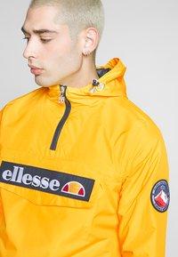 Ellesse - MONT 2 - Windbreakers - yellow - 3