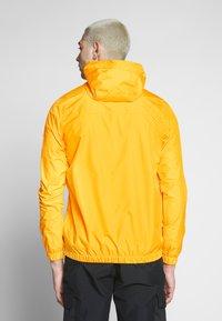 Ellesse - MONT 2 - Windbreakers - yellow - 2