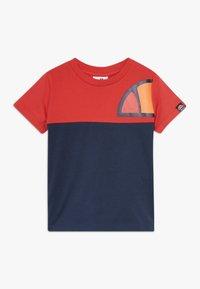 Ellesse - ADELO - T-shirt med print - red - 0