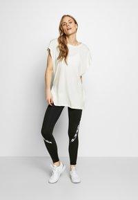 Ellesse - TELLURIDE - Print T-shirt - off white - 1