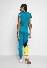 Ellesse - HEPBURN - T-shirts med print - blue - 2