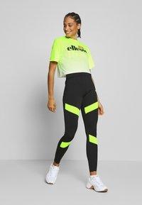Ellesse - FELTRE - T-shirts med print - neon yellow - 1