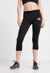 Ellesse - PORTICI - Pantalon 3/4 de sport - black - 0