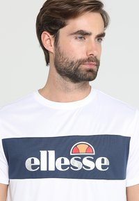 Ellesse - TOMMETI - Printtipaita - optic white/dress blues - 3