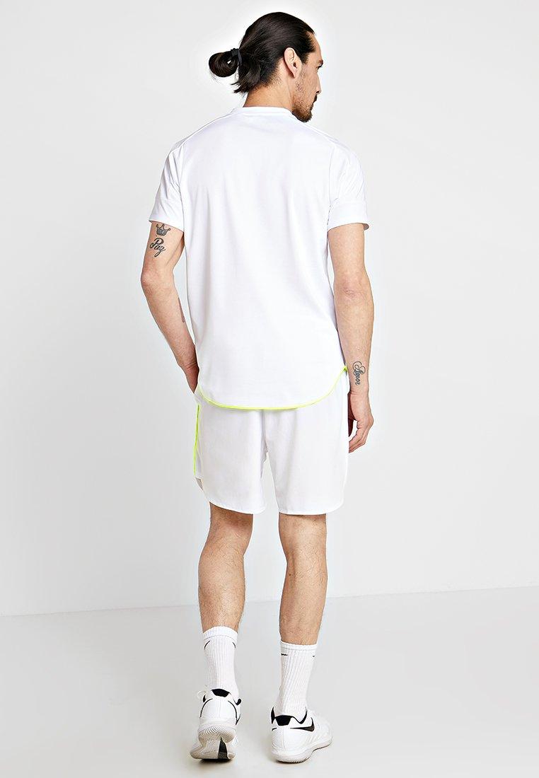 White shirt Ellesse BatesT Imprimé shirt Ellesse BatesT Imprimé OXPkuZiT