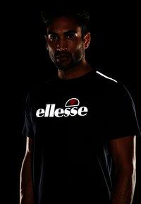 Ellesse - CELLA - Printtipaita - black - 3