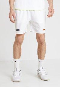 Ellesse - LLOYD - Pantalón corto de deporte - white - 0