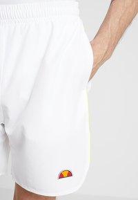 Ellesse - LLOYD - Pantalón corto de deporte - white - 4