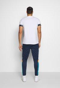 Ellesse - HURACAN - Teplákové kalhoty - navy - 2