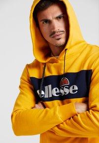 Ellesse - SAGRATINO  - Hoodie - dark yellow - 3