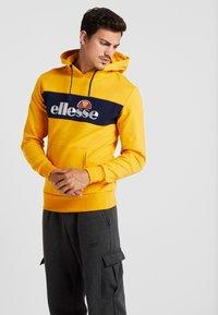 Ellesse - SAGRATINO  - Hoodie - dark yellow - 0