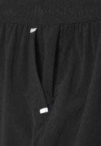 Ellesse - VIADANA SHORT - Sports shorts - black - 4