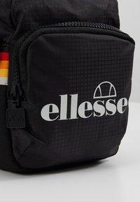 Ellesse - WALLAN - Skuldertasker - black - 6